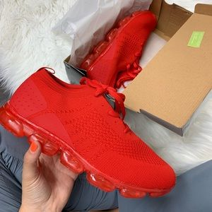 Other - Men's red knit sneaker